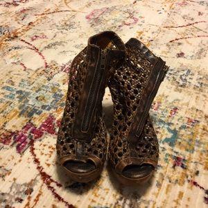 Sbicca wooden heels
